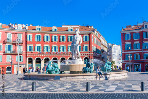 Foto op Aluminium Nice Fountain du Soleil on Place Massena in Nice France