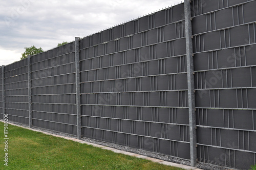 Sichtschutzzaun Mit Streifen Gitterstabmatten Buy This Stock