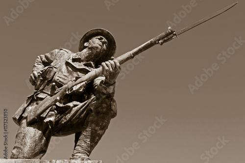 British WW1 Soldier Statue Fototapeta