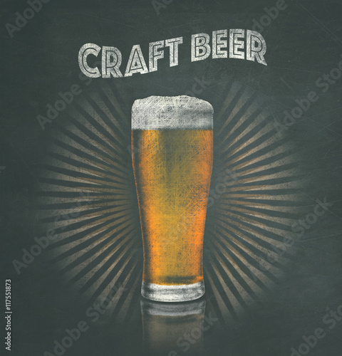 Photo  Golden pale ale IPA lager artistic sign drawing on blackboard craft beer microbr