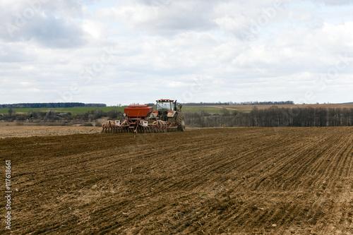 Foto auf Gartenposter Landschappen Planting of cereal crops