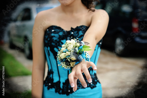 Tableau sur Toile Pretty turquoise and black wrist corsage worn to the prom.
