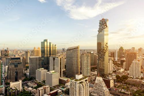 Cadres-photo bureau Bangkok Bangkok city with skyscraper and urban skyline at sunset