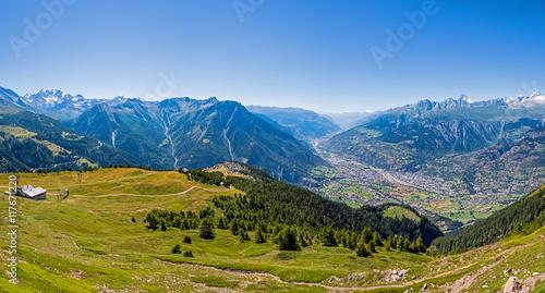 Vászonkép Blick auf Brig und Walliser Alpen, Panorama