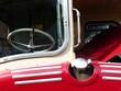 Tankverschluss, Windschutzscheibe und Motorhaube eines alten Londoner Doppeldecker Bus bei den Golden Oldies in Wettenberg Krofdorf-Gleiberg bei Gießen in Hesssen
