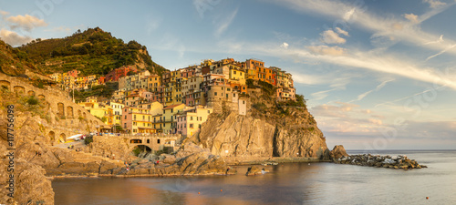 Fotobehang Athene Manarola,miasteczko na skale.Liguria,Włochy