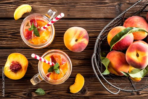 refreshing peach drink Fototapet