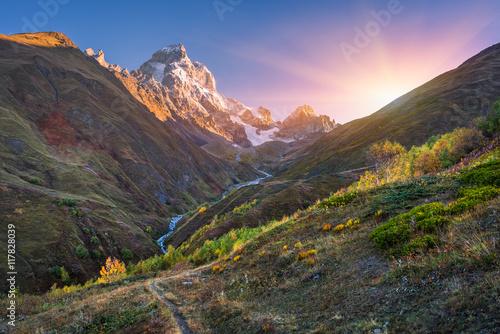 Poster de jardin Parc Naturel Autumn landscape in the mountains