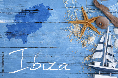 Maritime Postkarte mit Mittelmeerinsel Ibiza