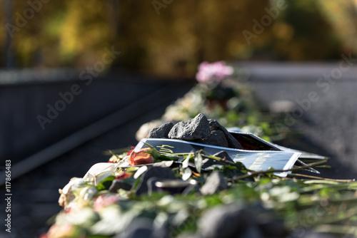 Fotomural Condolencia a las víctimas del Holocausto en Gleis 17 en Berlín