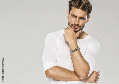Foto  Portrait of sexy man
