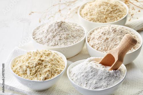 Photo Bowls of gluten free flour