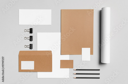 Fotografía  Branding / Stationery Mock-Up - Kraft & White - Letterhead (A4), DL Envelope, Co