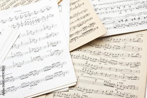 Cuadros en Lienzo old sheet music