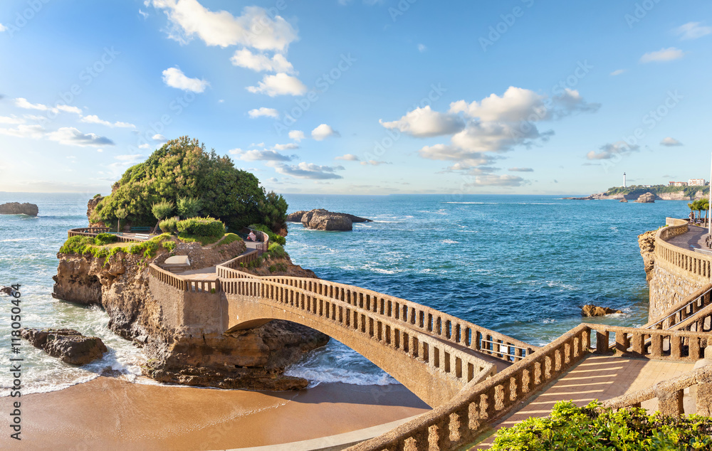 Fototapety, obrazy: Bridge to the island in Biarritz