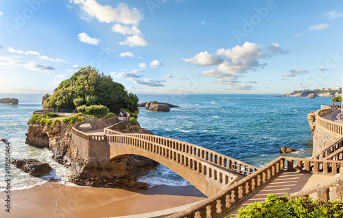 Tuinposter Zalm Bridge to the island in Biarritz