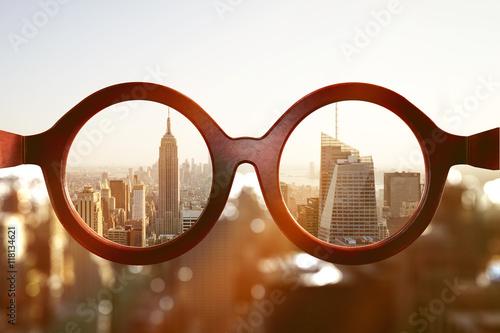 Photo  Brille vor New Yorker Skyline