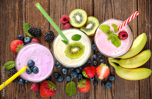 Poster Milkshake Healthy smoothies with fresh fruits