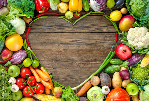 Fotografie, Obraz  Assortment of  fresh fruist and vegetables in heart shape