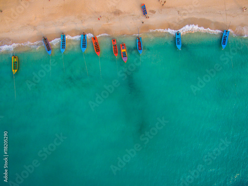Poster de jardin Vue aerienne Aerial view of beach with boats, Koh Phangan, Thailand
