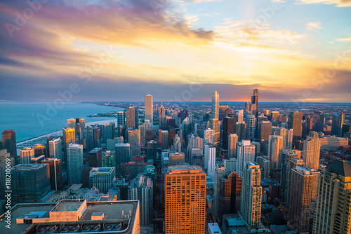 Poster Chicago Aerial view of Chicago downtown skyline at sunset