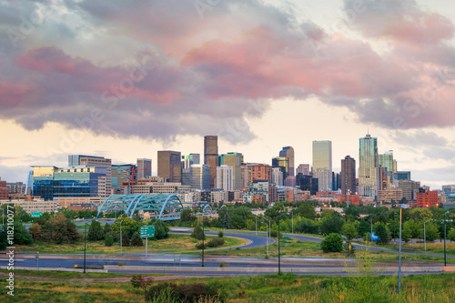 Photo Stands United States Panorama of Denver skyline at twilight.