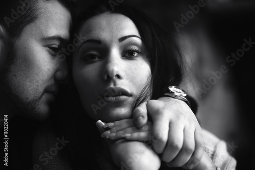 Fotografia  Young beautiful couple in the studio