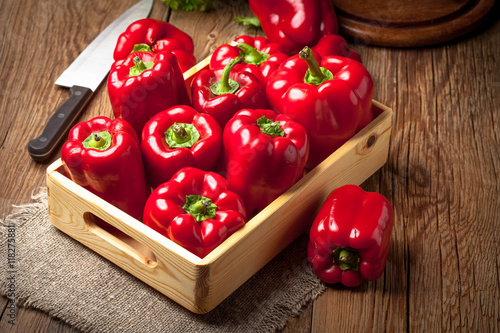 Fotografia Fresh red sweet peppers.
