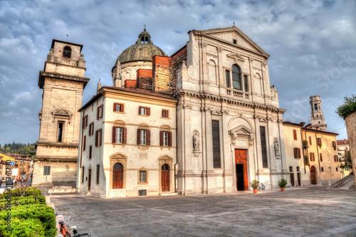 Edifice religieux Facade of the church San Giorgio in Braida, Verona, Veneto, Italy (with HDR-effect)