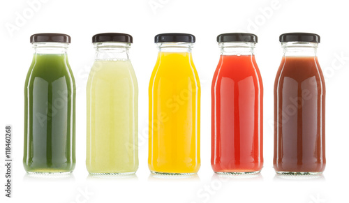 Crédence de cuisine en verre imprimé Jus, Sirop vegetable and fruit juice bottles isolated