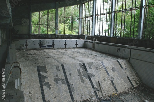 Poster Ruine swimming pool in Prypyat