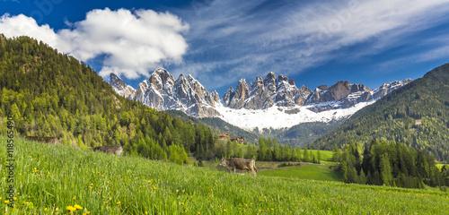 Photo  Südtirol, Villnösstal, Geislerspitzen, Blick von St. Magdalena