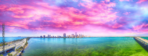 Tablou Canvas Miami. Rickenbacker Causeway and Downtown aerial view at dusk