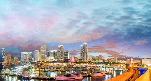 Foto op Canvas Barcelona Magnificent dusk colors of Miami skyline, Florida. Panoramic sun