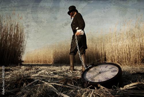 Photo  Seelwart, der Zeitdieb - Der Zeit beraubt, verschwunden die Jahre und Sekunden, gesucht und dabei ergraut, als einer von Seelwarts Kunden