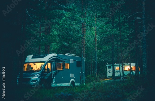 Fotomural Motorhome Camping in a Wild