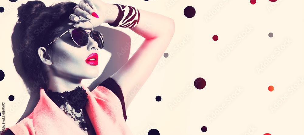 Fototapeta Beauty fashion model girl wearing stylish sunglasses and accessories