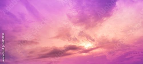 Obrazy fioletowe  obraz-nieba-w-czasie-wieczornym-z-fioletowym-odcieniem