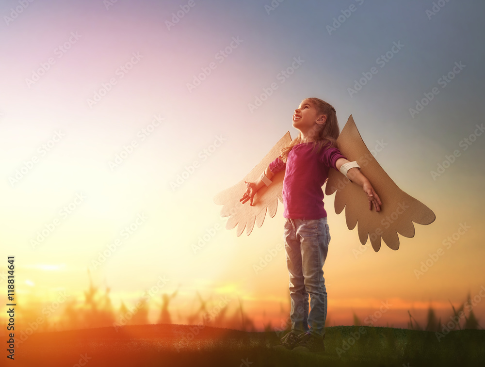 Fototapety, obrazy: Kid with the wings of a bird