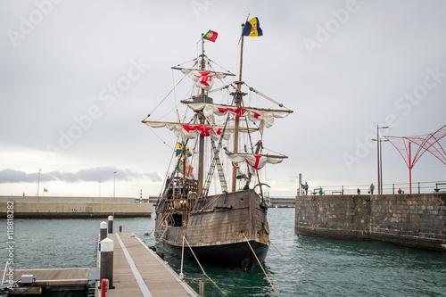 Keuken foto achterwand Schip Christopher Columbus flagship Santa Maria replica at Funchal, Madeira.
