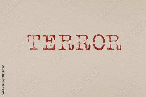 Fotografía  Terror Stempel zerissen Schrift Buchstaben
