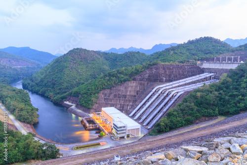 Foto auf AluDibond Damm Srinakarin Dam, Thailand