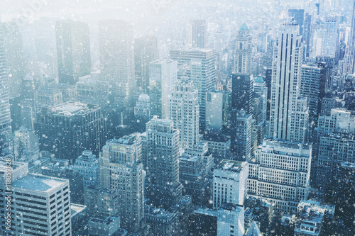 Foto op Plexiglas New York Snow in New York City - fantastic image, skyline with urban sky
