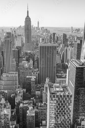 miasto-nowy-jork-manhattan-srodmiescie-linia-horyzontu-czarny-i-bialy
