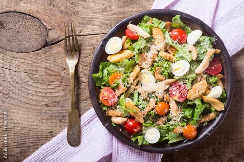 Fotografía  Healthy Chicken Caesar Salad