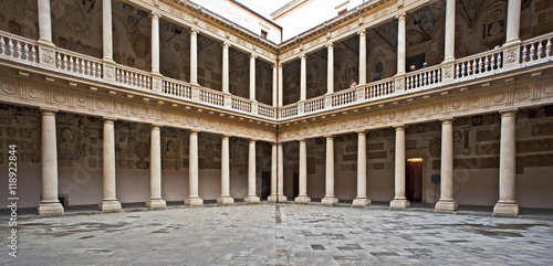 Photo sur Toile Con. Antique Palace bo in Padova, ancient seat of the University.