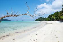 Sea Beach Colorful White Sand ...