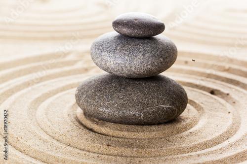 Photo sur Plexiglas Zen pierres a sable zen garden meditation stone background