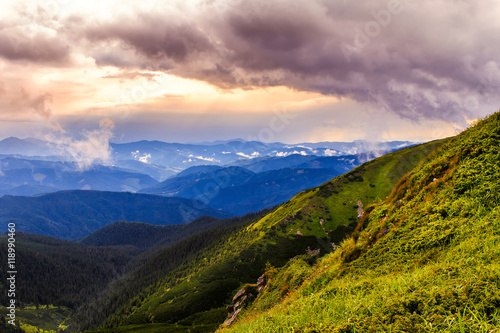 Cadres-photo bureau Campagne Picturesque and dramatic Carpathian mountains landscape, sunset evening time, Ukraine.