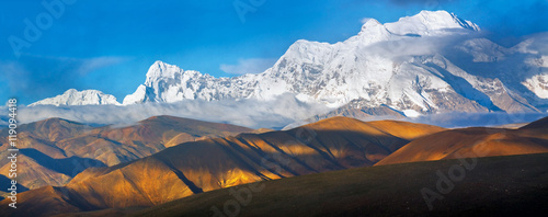 Obraz na plátně Panorama of Eight-chiliarch Shisha-Pangma in Tibet, Himalayas. L